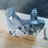 Кронштейн опоры двигателя мотор К9, оригинал, б.у., 8200739777